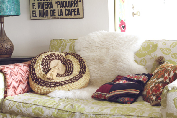 8 vintage-pillows